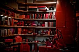 Une bibliothèque rouge